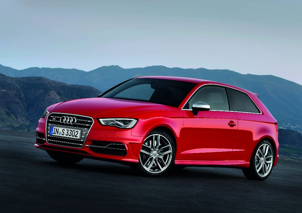 Audi S3 2013 moteur 2L TFSI de 300ch bridée à 250km/h