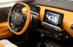 Et la voiture avec le bel intérieur est... le C4 Cactus !