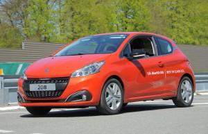 Record de consommation pour la Peugeot 208 BlueHDI