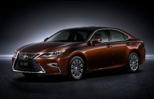 La Lexus ES gagne en dynamisme