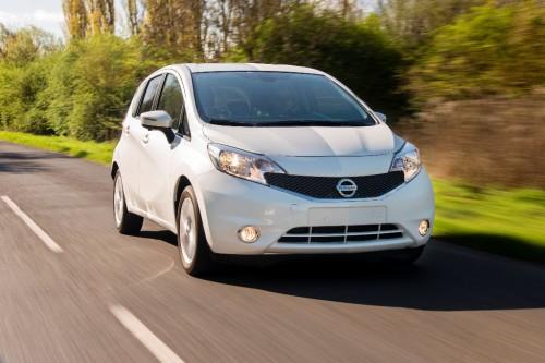 Nissan Note sur route