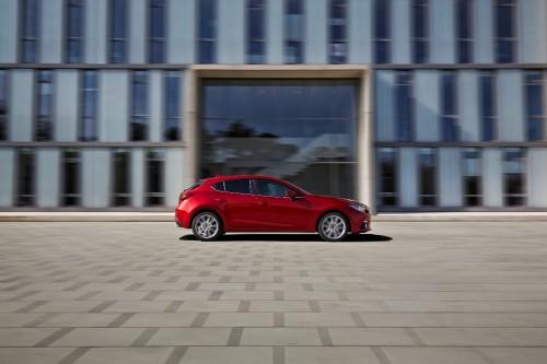 Mazda 3 vue latérale