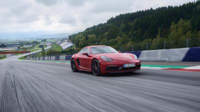Porsche 718 Cayman GTS sur route