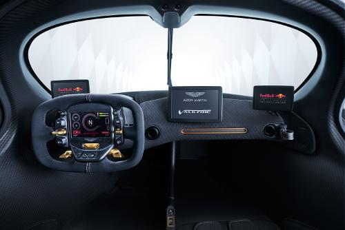 Aston Martin Valkyrie planche de bord cockpit de pilote