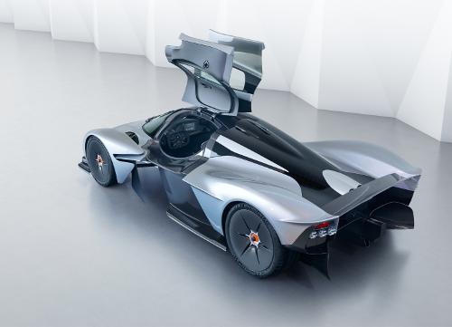Aston Martin Valkyrie portières ouvertes
