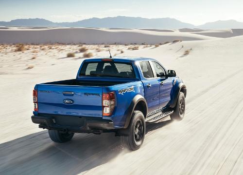 2018 : Ford Ranger Raptor sur route sablonneuse