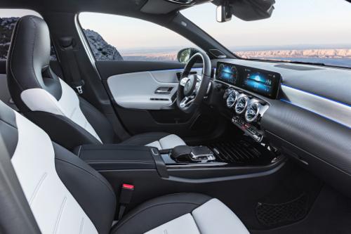 Nouvelle Mercedes Classe A à l'intérieur