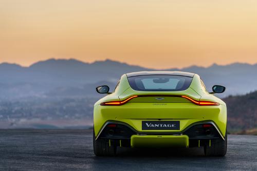 Aston Martin Vantage 2018 vue arrière