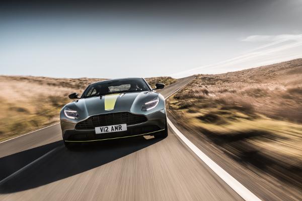 L'Aston Martin DB11 AMR s'arme de puissance
