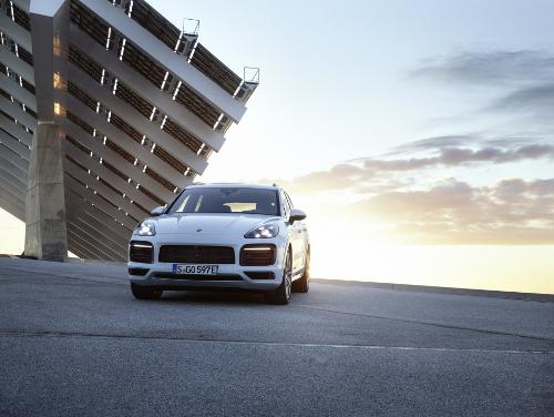 Nouveau Porsche Cayenne E-Hybrid dévoilé