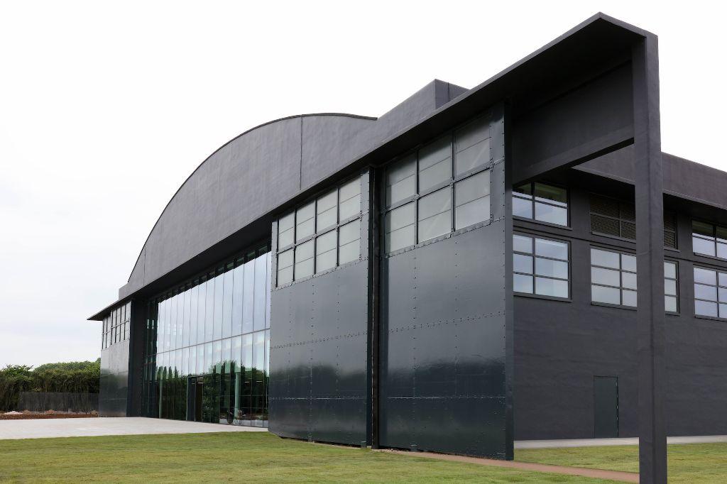 Les usines construites pour le projet de la voiture électrique