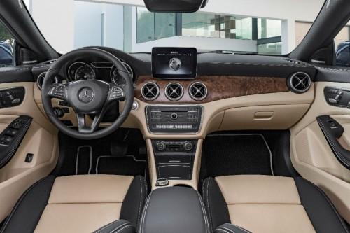 Mercedes CLA 250 4Matic Shooting Brake intérieur